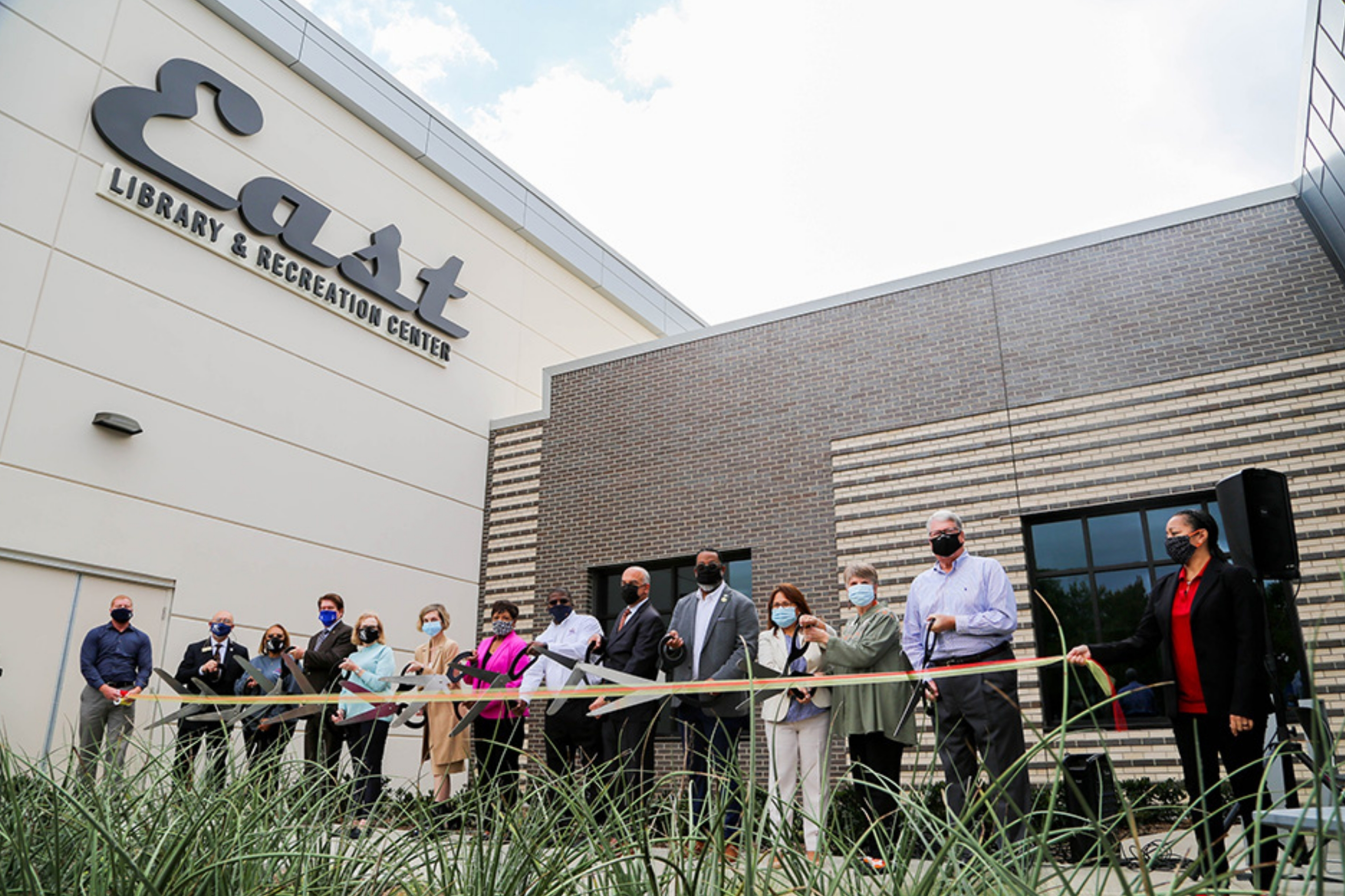 City Celebrates Opening of East Library and Recreation Center in East Arlington